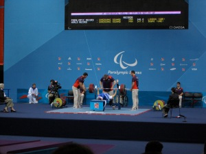 Souhad Ghazouani getting her Paralympic record to win the women's -67.5kg category