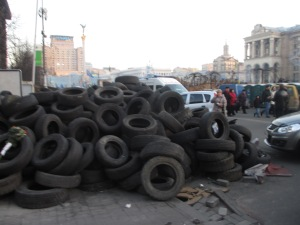 Tyres at the entrance to Maidan