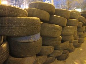 Tyre barricades